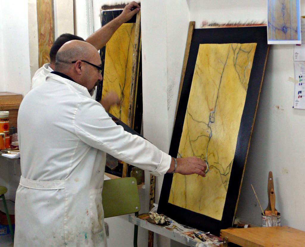 Tecnica de imitacion marmol vigo pintores profesionales for Imitacion marmol travertino precio