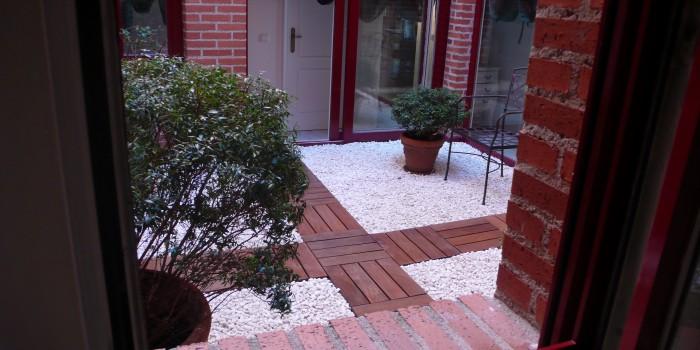 suelo madera jardín